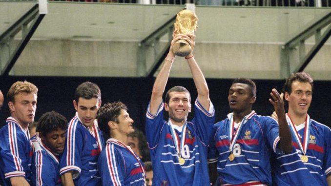 Il y a 20 ans l quipe de france de football remportait la - Zidane coupe du monde 1998 ...
